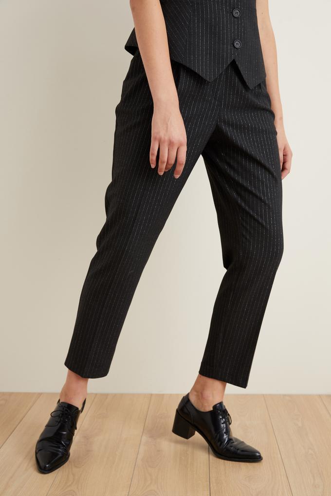 Siyah Cepli Çizgili Bilek Boy Pantolon