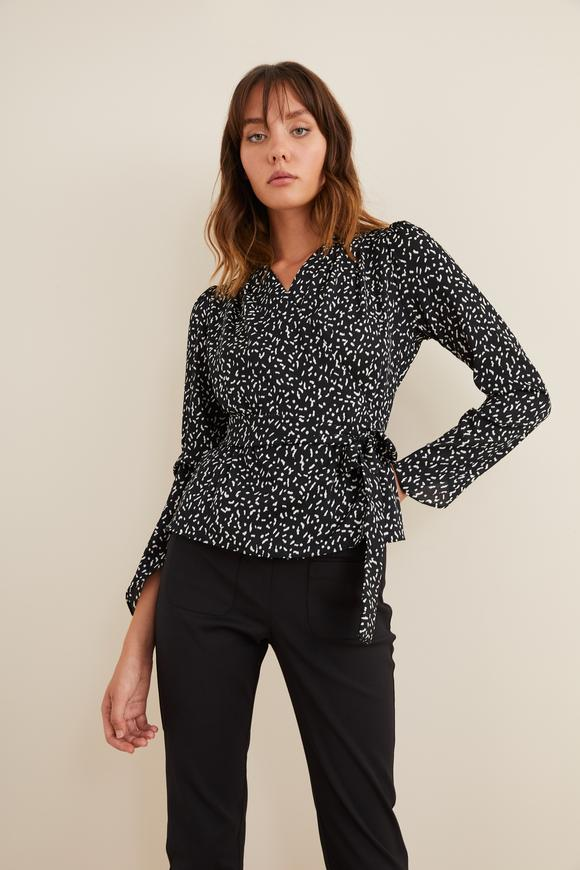 Siyah Desenli Önden Bağlamalı Bluz