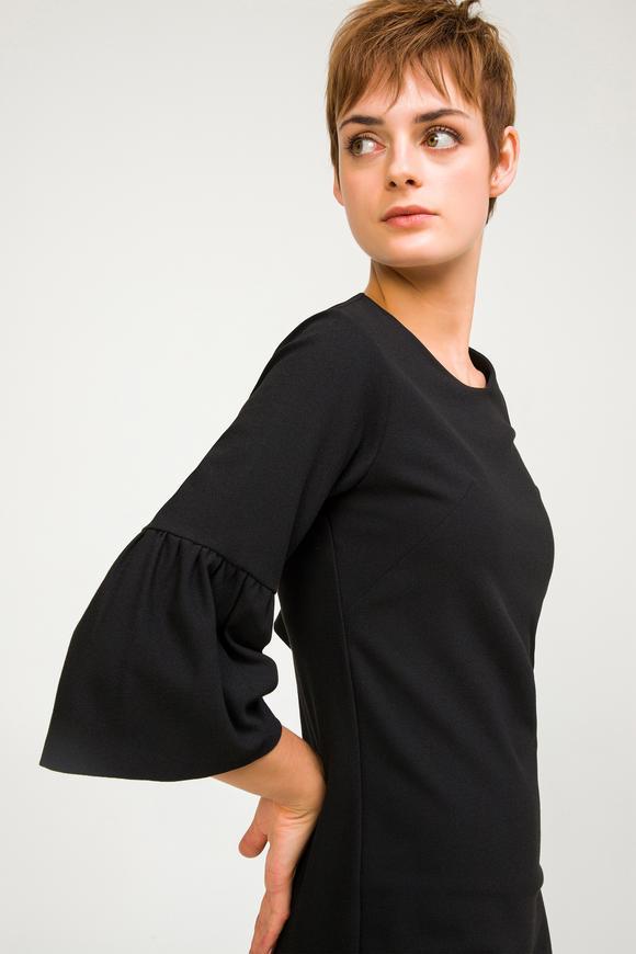 Siyah Kolları Büzgülü Elbise