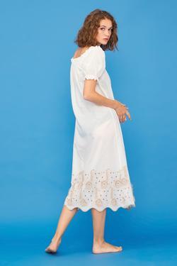 Yakası Fırfırlı Elbise