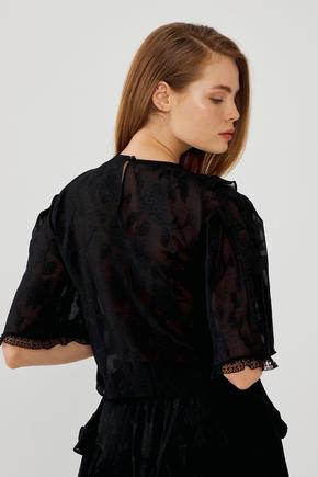 Siyah Dantel Detaylı Bluz