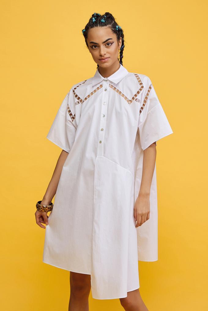 Beyaz Nakışlı Gömlek Elbise