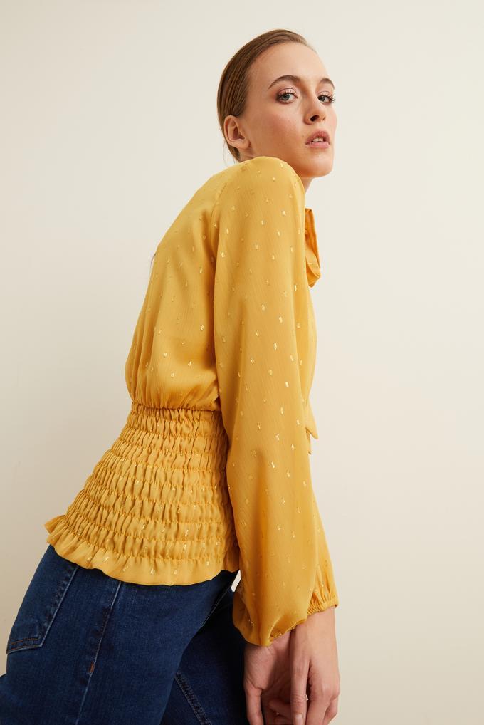 Sarı Kroşetalı Yakası Fularlı Bluz