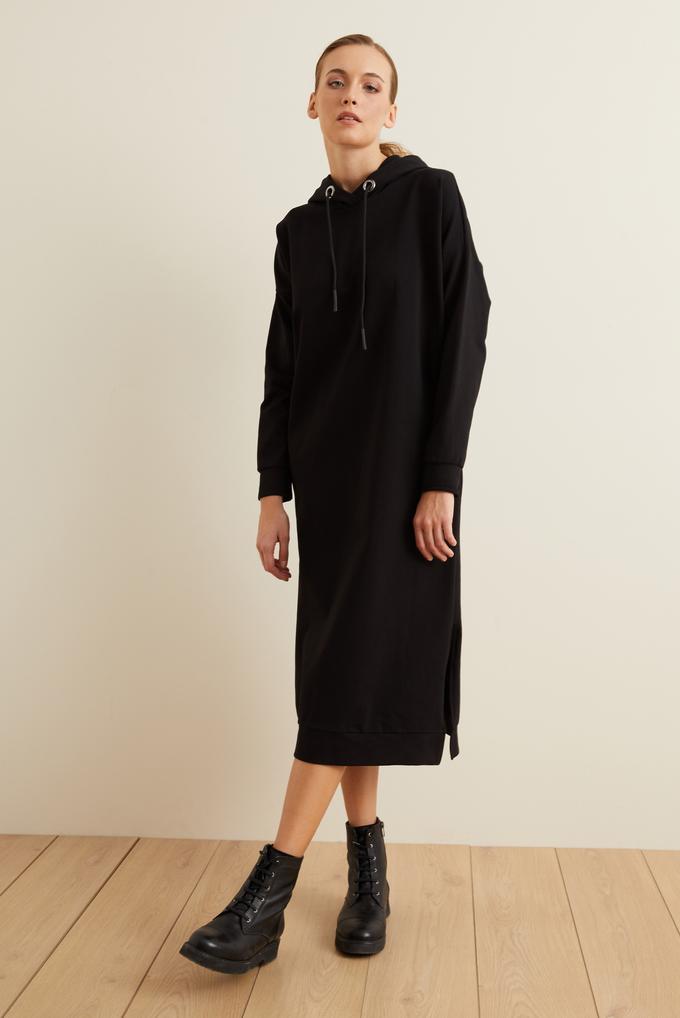 Siyah Kapüşonlu Elbise