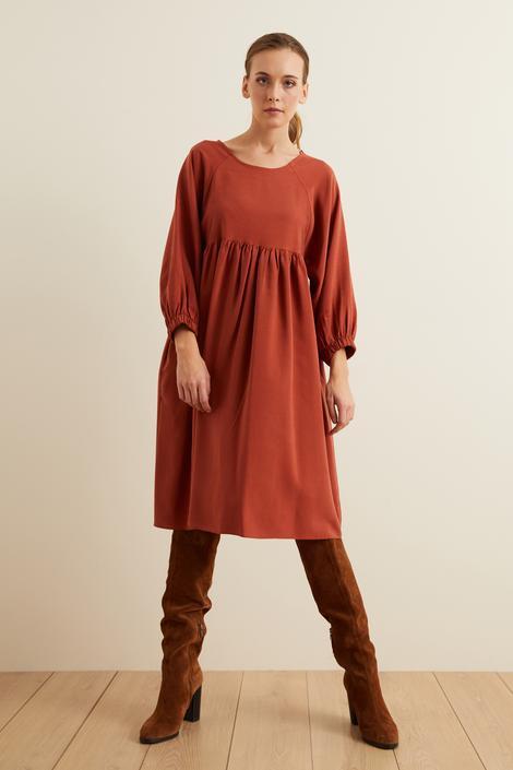 Tarcin Kolları Lastikli Büzgülü Elbise