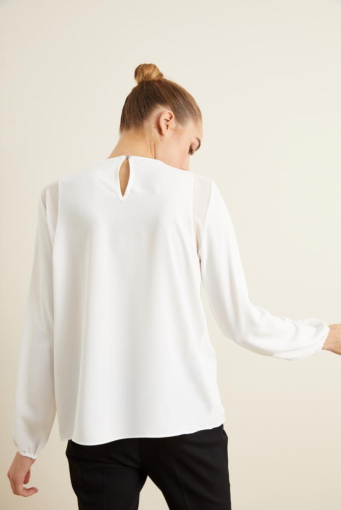 Bej Omuz Şifon Detaylı Bluz