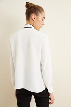 Yakası Fularlı Bluz