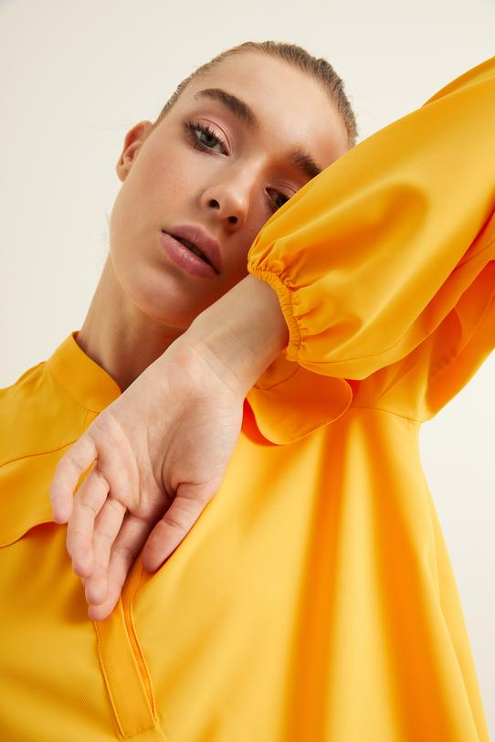 Sarı Uzun Kollu Volanlı Bluz