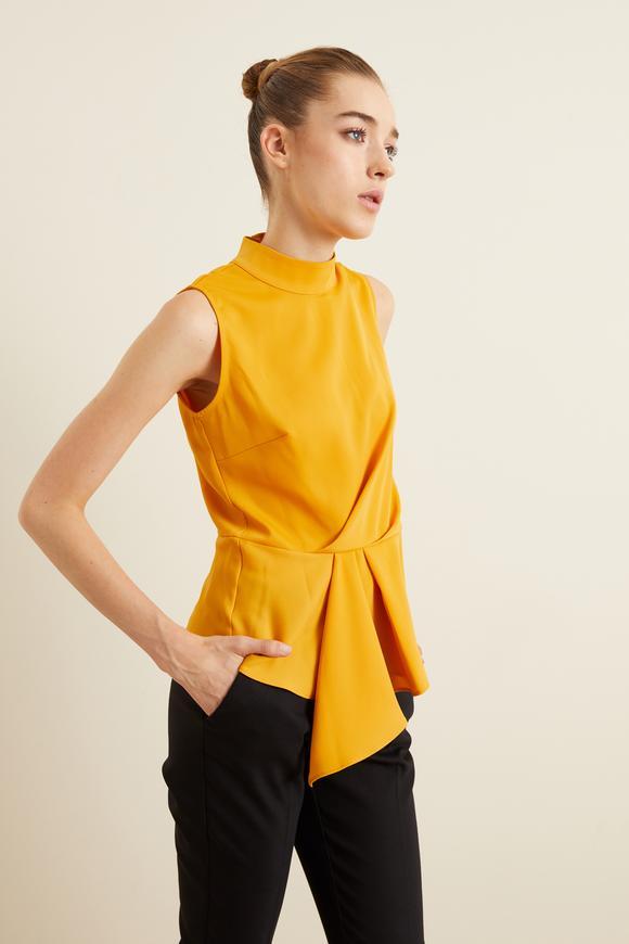 Sarı Drapeli Kolsuz Bluz
