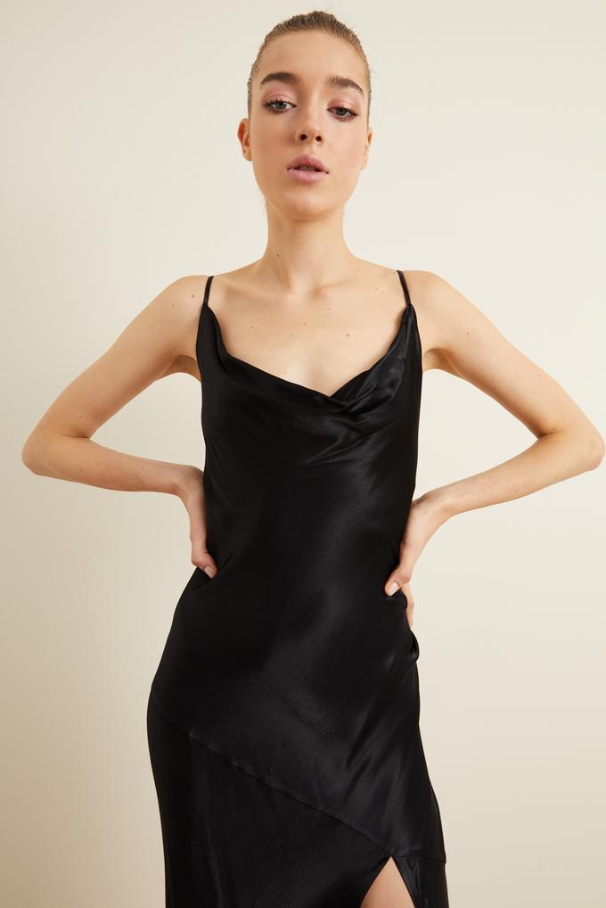 Siyah Askılı Slip Saten Elbise