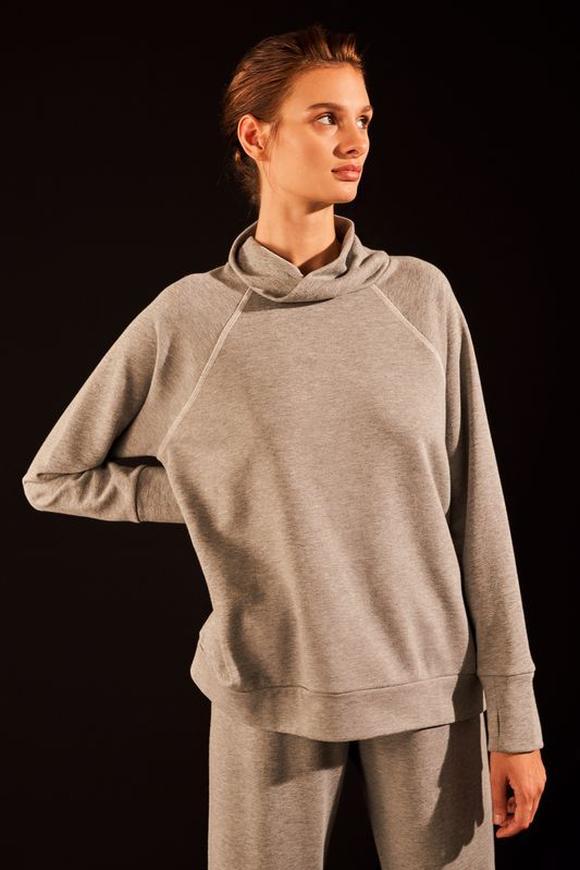 Gri Degaje Yakalı Sweatshirt