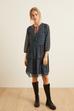 Yakası İşlemeli Büzgülü Elbise