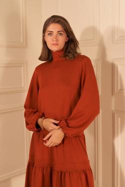 Dik Yaka Büzgülü Elbise