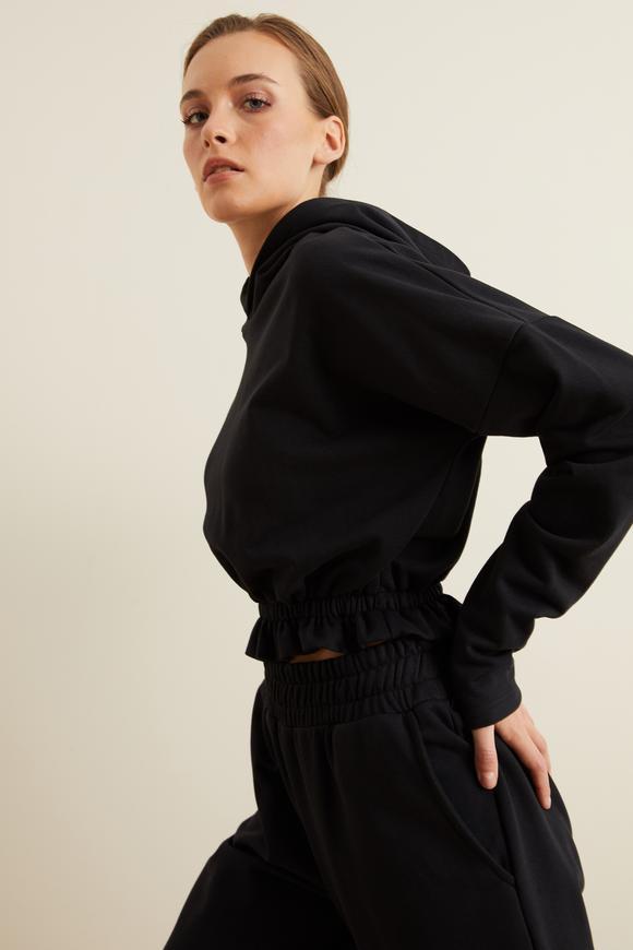 Siyah Kapüşonlu Crop Sweatshirt