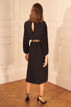 Omuzu Broşlu Büzgülü Elbise