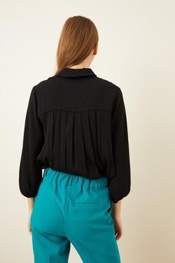 Dantel Fularlı Pliseli Bluz