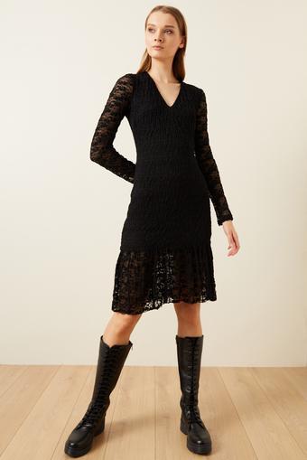 Siyah Eteği Volanlı Dantel Elbise