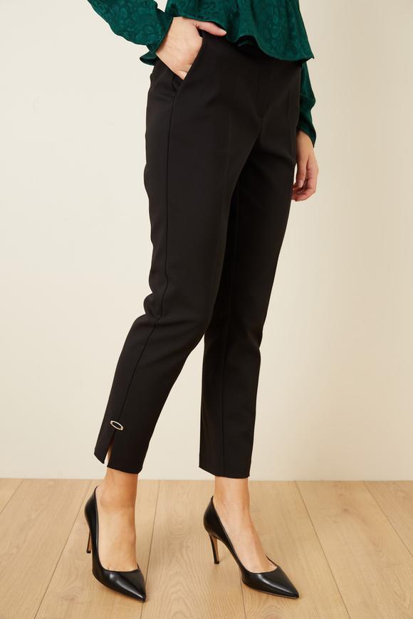 Siyah Metal Aksesuarlı Pantolon