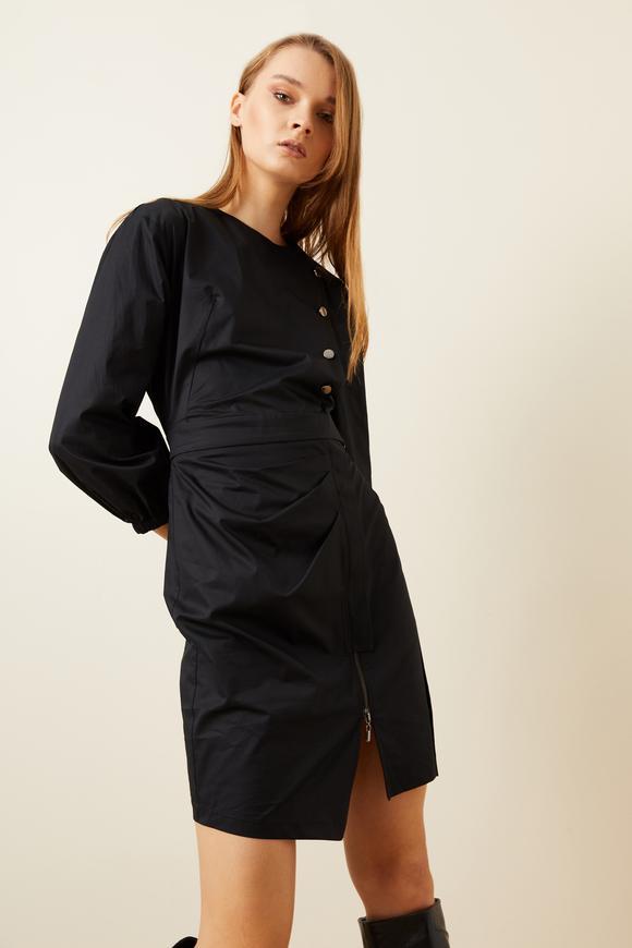 Siyah Fermuar Detaylı Düğmeli Elbise