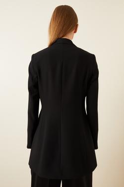 Omuzu Broşlu Saten Detaylı Ceket