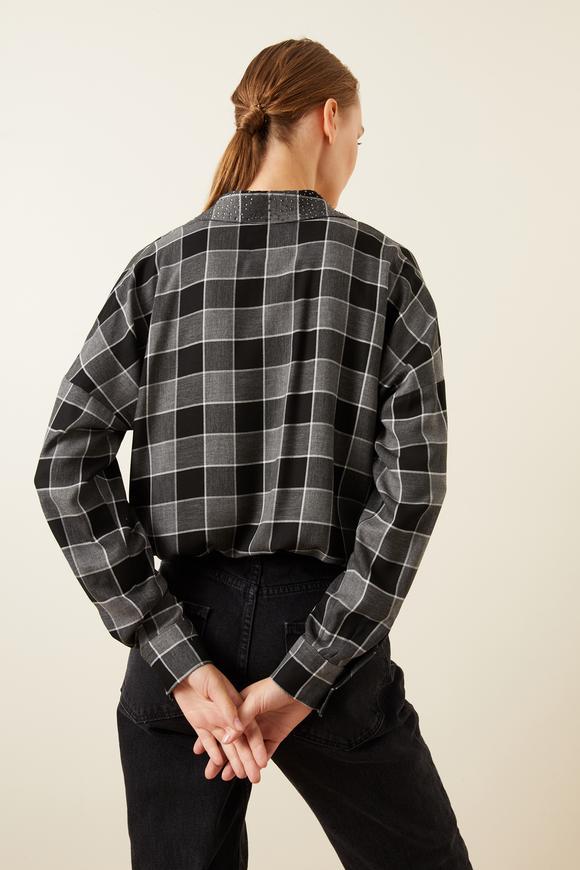Yakası Taşlı Ekose Gömlek