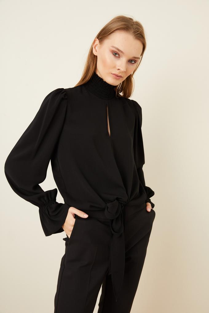 Siyah Önü Bağlamalı Bluz