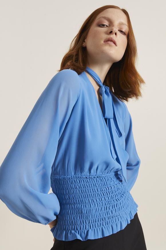 Mavi Kroşetalı Yakası Fularlı Bluz