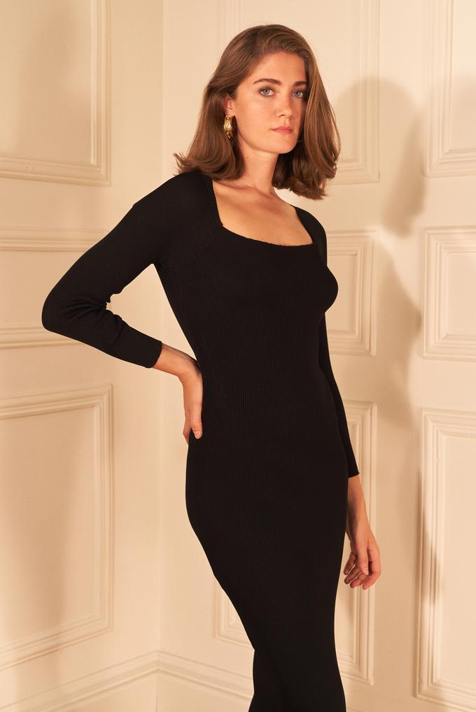 Siyah Kare Yaka Triko Elbise