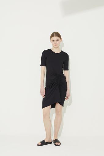 Siyah Kısa Kol Büzgülü Örme Elbise