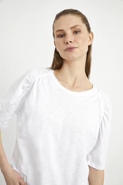 Omuzları Drapeli Tişört