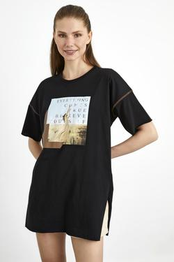 Baskılı Yanları Yırtmaçlı Tişört