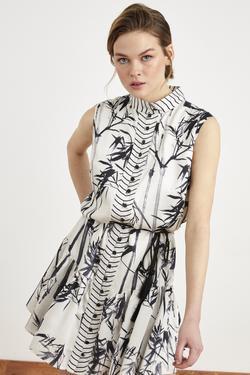 Dik Yaka Volanlı Desenli Elbise