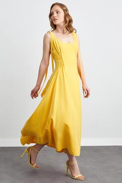Kolsuz Uzun Önü Nervürlü Elbise