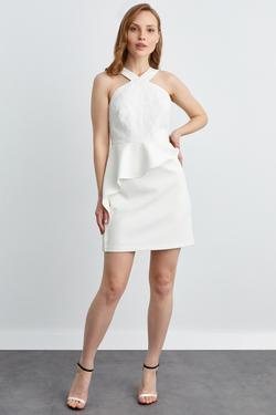 Yakası Çapraz Eteği Volanlı Mini Elbise