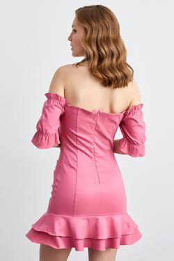 Omuzları Açık Kısa Kol Volanlı Mini Elbise