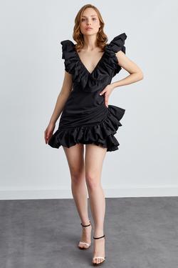 Kolları ve Etek Ucu Fırfırlı Mini Elbise