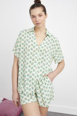 V Yaka Kısa Kol Gömlek