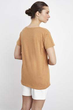 Önü Nakışlı V Yaka Tişört