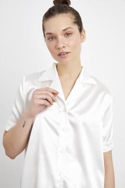 Kısa Kollu Biyeli Saten Gömlek