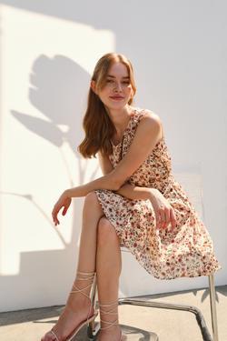 Sıfır Kollu Desenli  Elbise