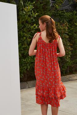 Askısı Bağcıklı Elbise