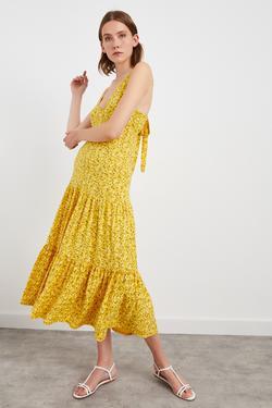 V Yaka Uzun Desenli Örme Elbise