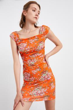 Büzgülü Desenli Mini Örme Elbise
