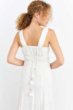 Kare Yaka Kolsuz Elbise