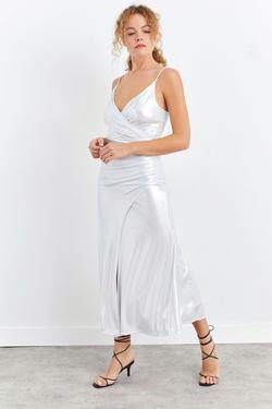 Kruvaze Askılı Beli Büzgülü Midi Elbise