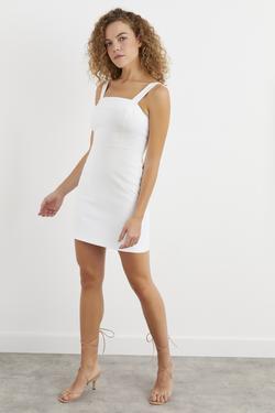 Kare Yaka Askılı Sırt Dekolteli Elbise