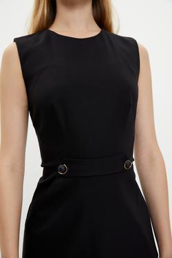 Kolsuz Beli Detaylı Elbise