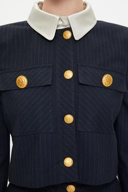 Yakası Garnili Düğmeli Crop Ceket