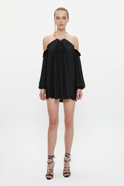 Yakası Metal Aksesuarlı Piliseli Mini Elbise