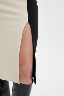 Kolsuz Diz Altı Kontrast Renkli Elbise